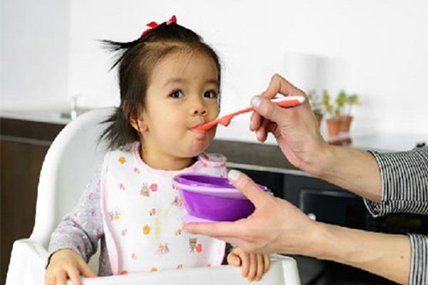 Trị ho cho trẻ không dùng kháng sinh bằng thảo dược Thanh Mộc Hương